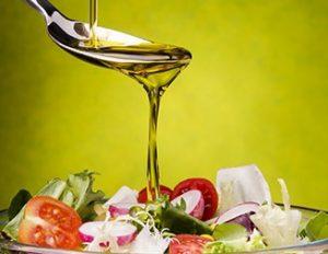 オリーブオイルとサラダ