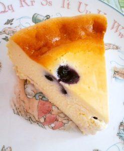 混ぜて焼くだけ?ブルーベリーチーズケーキ