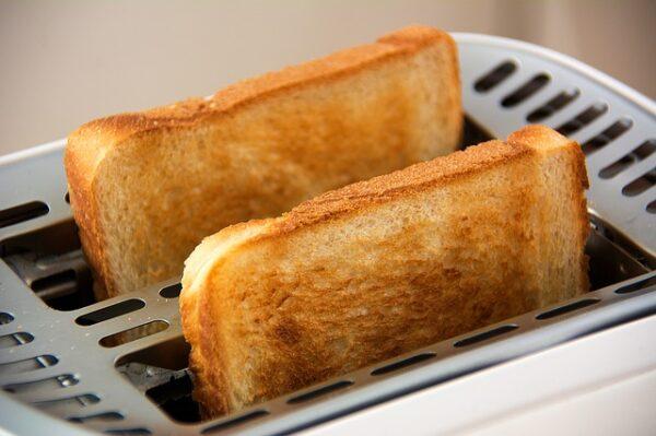 マヌカハニーとパン